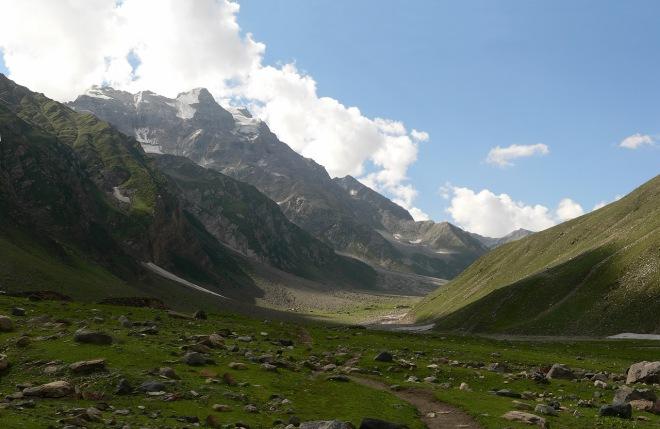 9162-2_Looking_up_at_Malika_Parbat