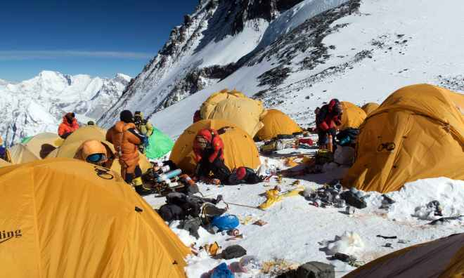 NEPAL-EVEREST-MOUNTAINEERING-ENVIRONMENT-POLLUTION
