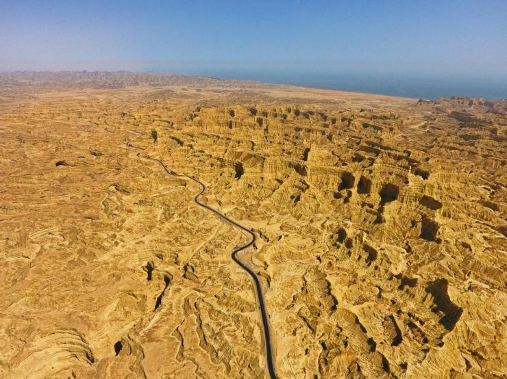 makran-coastal-highway-pakistan.adapt.1190.1